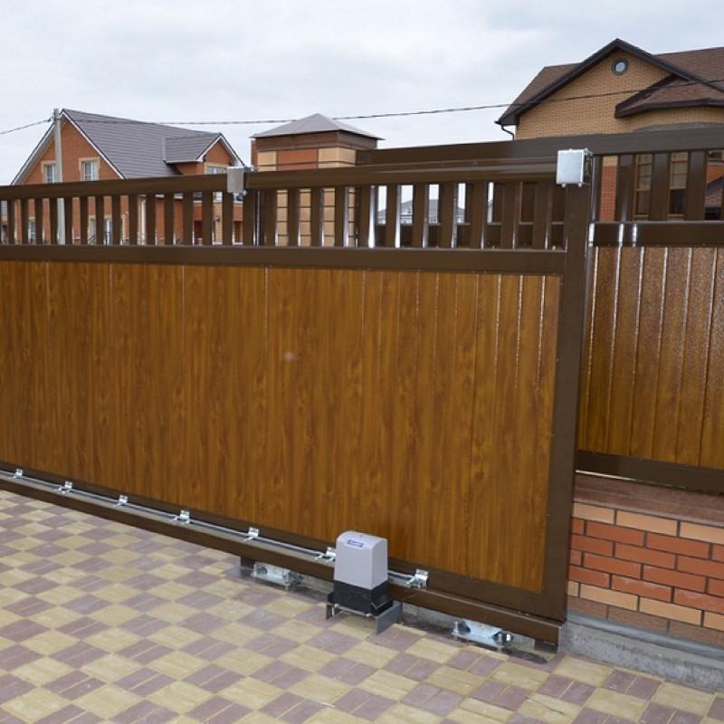 Откатные ворота DoorHan с сендвич-панелями купить в Белгороде