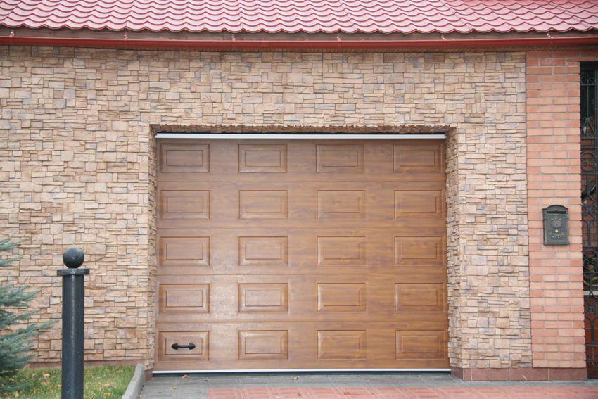 Секционные гаражные ворота DoorHan RSD02 3400х2300 с торсионным механизмом купить в Белгороде