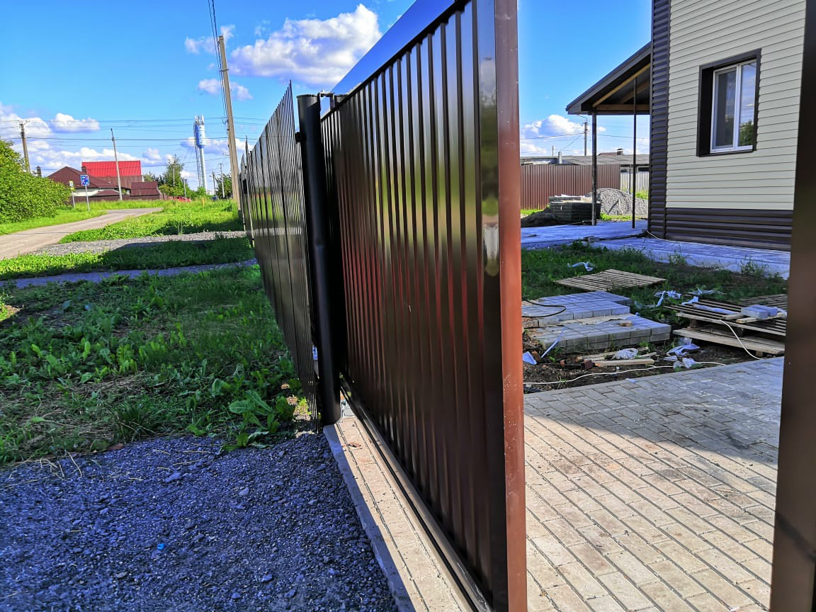 Откатные ворота 4500х2100. Комплект алюминиевой рамы под заполнение профлистом купить в Белгороде